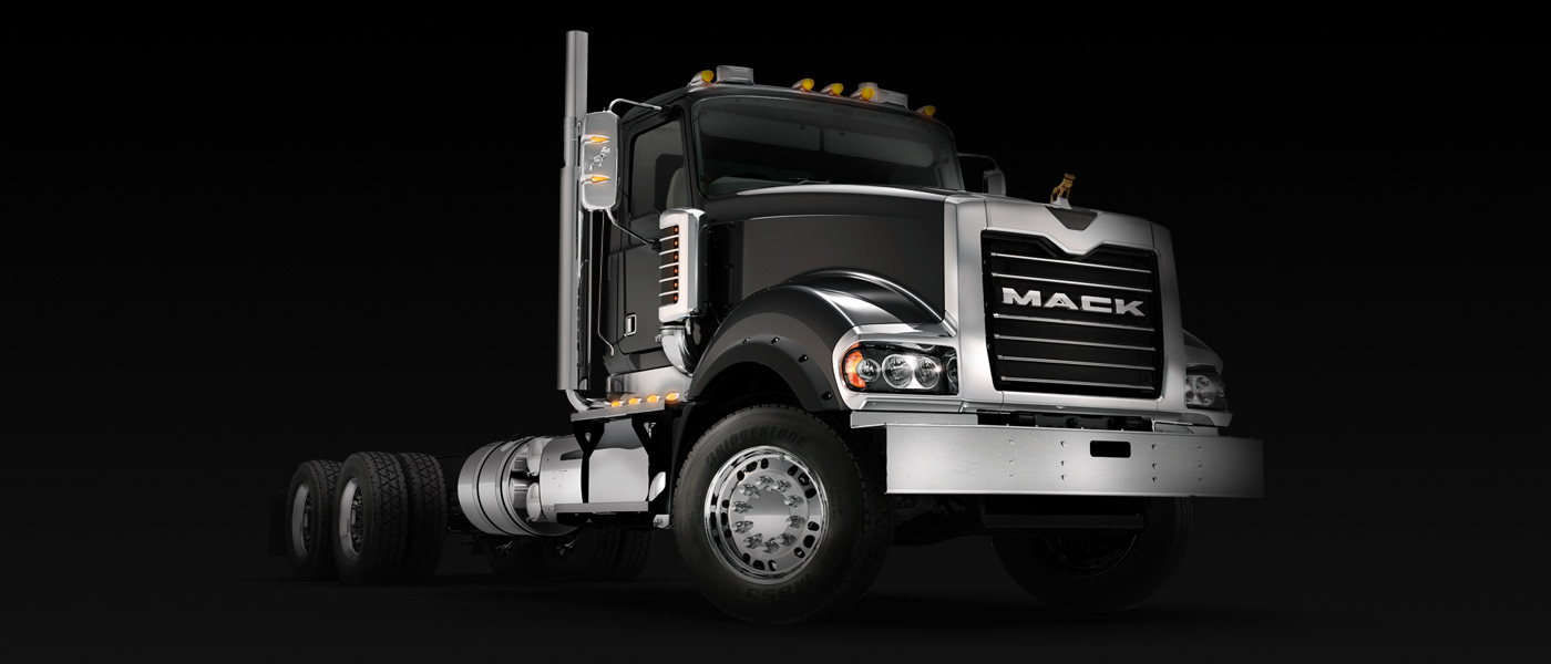 mack_truckseries_titan_gallery2_sideview1